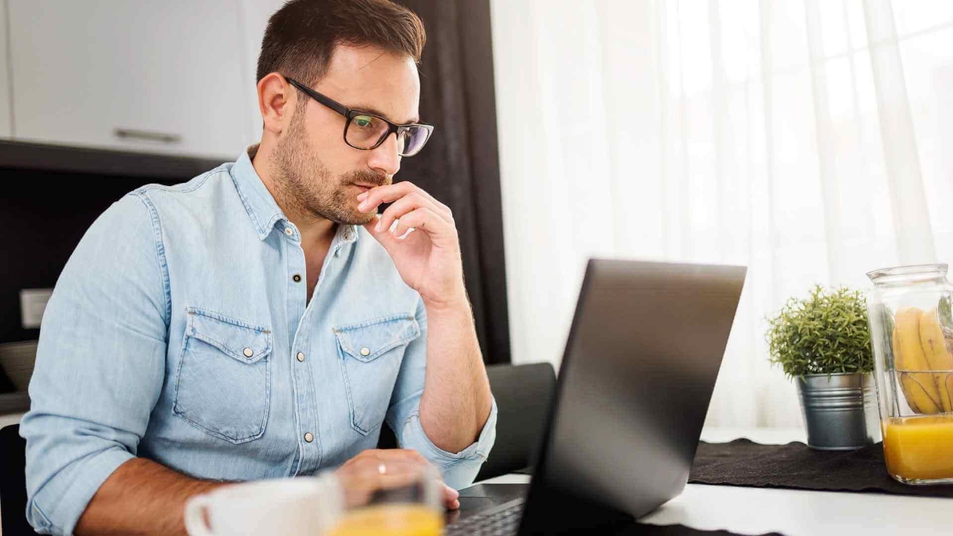 Estrés en el trabajo en casa - Visualiza tu información desde un mismo Sistema ERP y da el seguimiento tu negocio tomando las mejores decisiones con Acumatica y ClandBus