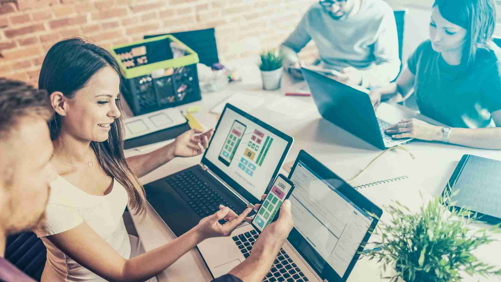 ventajas competitivas de Acumatica - Aumenta la eficiencia de tus actividades desde la nube y genera el control que necesitas a lado de socios de negocio ClandBus